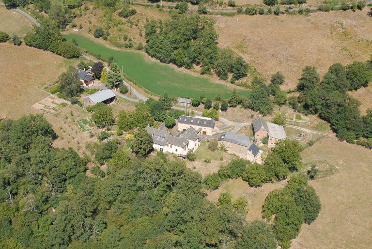 Vue aérienne du hameau Les Calvinies